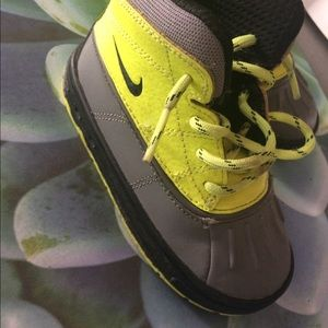 Nike boots toddler